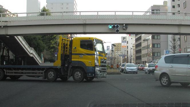 広瀬通 立町小交差点 って仙台西道路トンネルをでてきた所なんだよ。